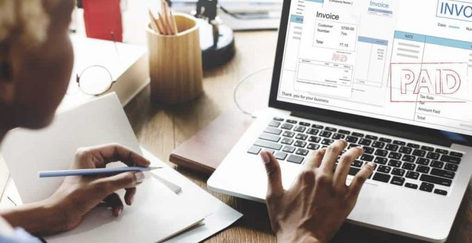 8 Signs You Need to Make Your Invoices Look More Professional