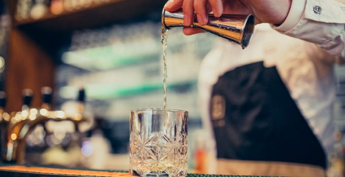 5 Benefits of Using Inventory Tracking Software in Managing Your Bar