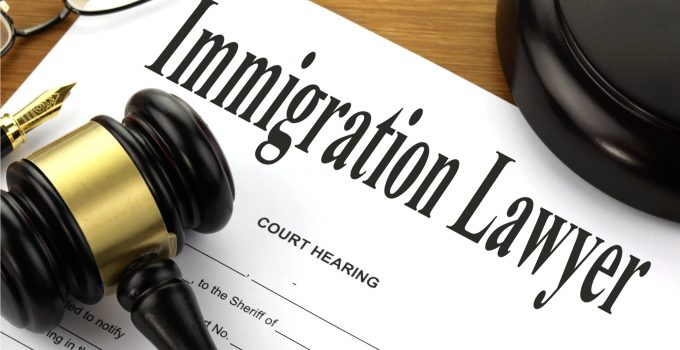 4 Warning Signs You Hired a Bad Immigration Lawyer
