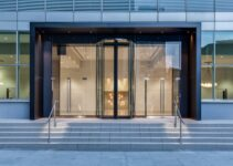 5 Advantages of Having an Automatic Door for Your Business