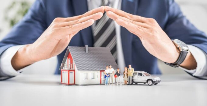 What are Insurance Brokers and Who Needs One – 2021 Guide