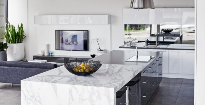 4 Tips on Choosing the Right Kitchen Layout for Your Lifestyle