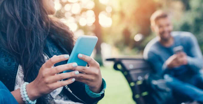 How To Spot Fake Profiles on Online Dating Apps?
