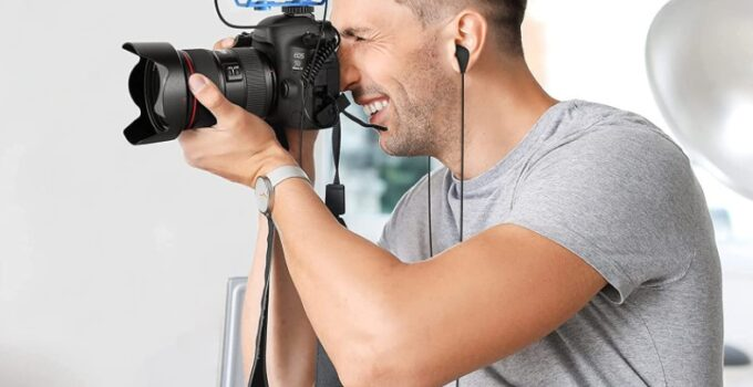 How to Choose The Best DSLR Microphone For Vlogging